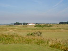 links golf in Dublin, Ireland by authentic golf