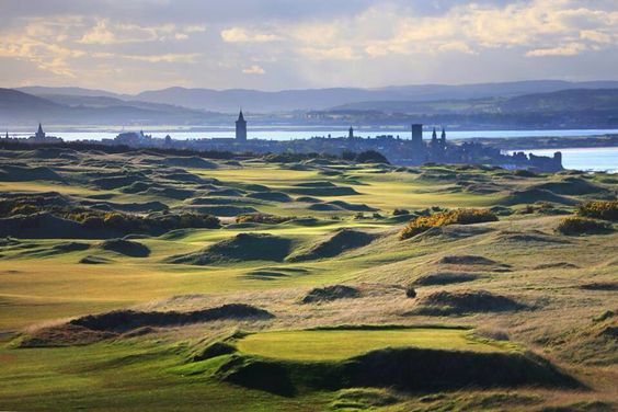 St Andrews Links. Castle course