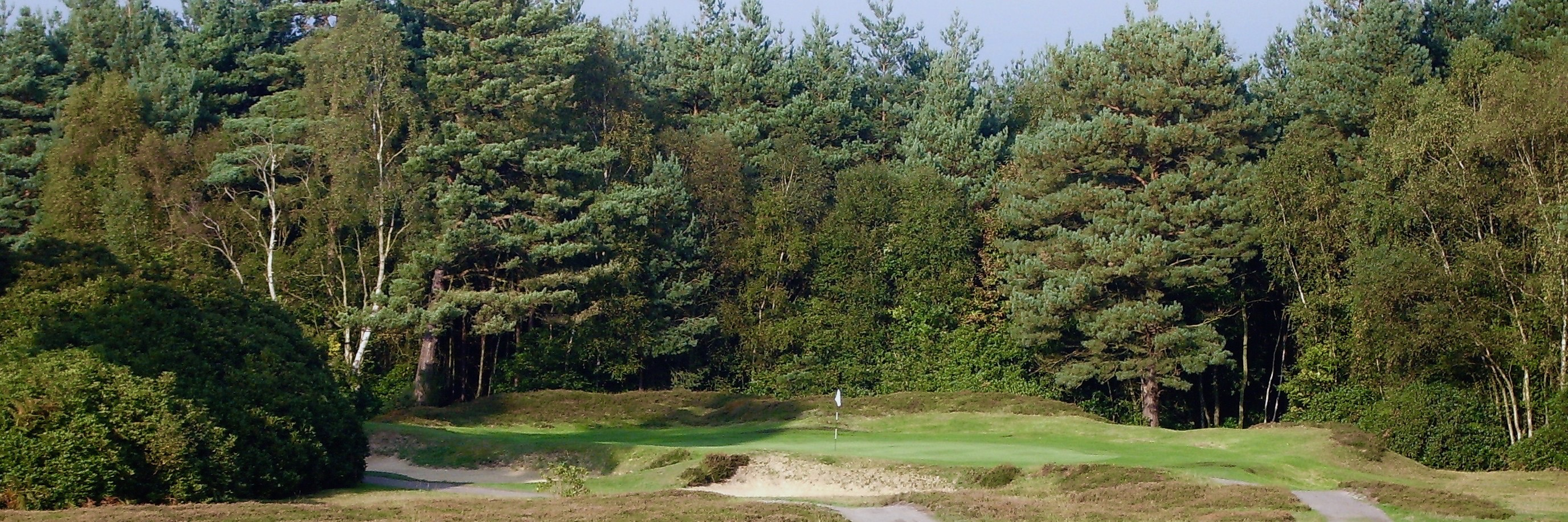 Classic Heathland golf course of Surrey by authentic golf